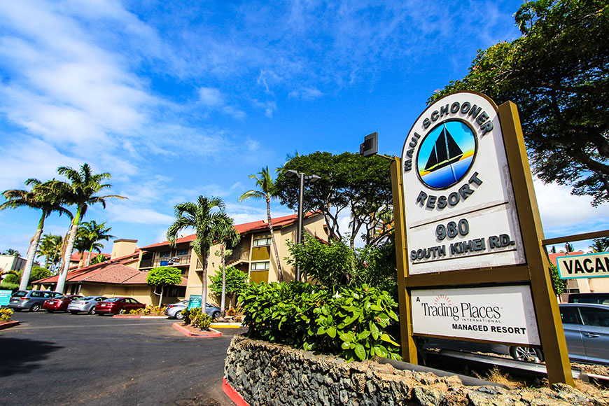 Maui Schooner Welcome Sign